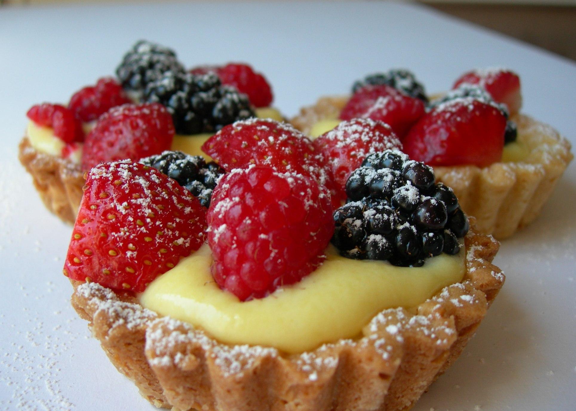 Cestini al cioccolato bianco e frutti del bosco su www.cookingshop.it