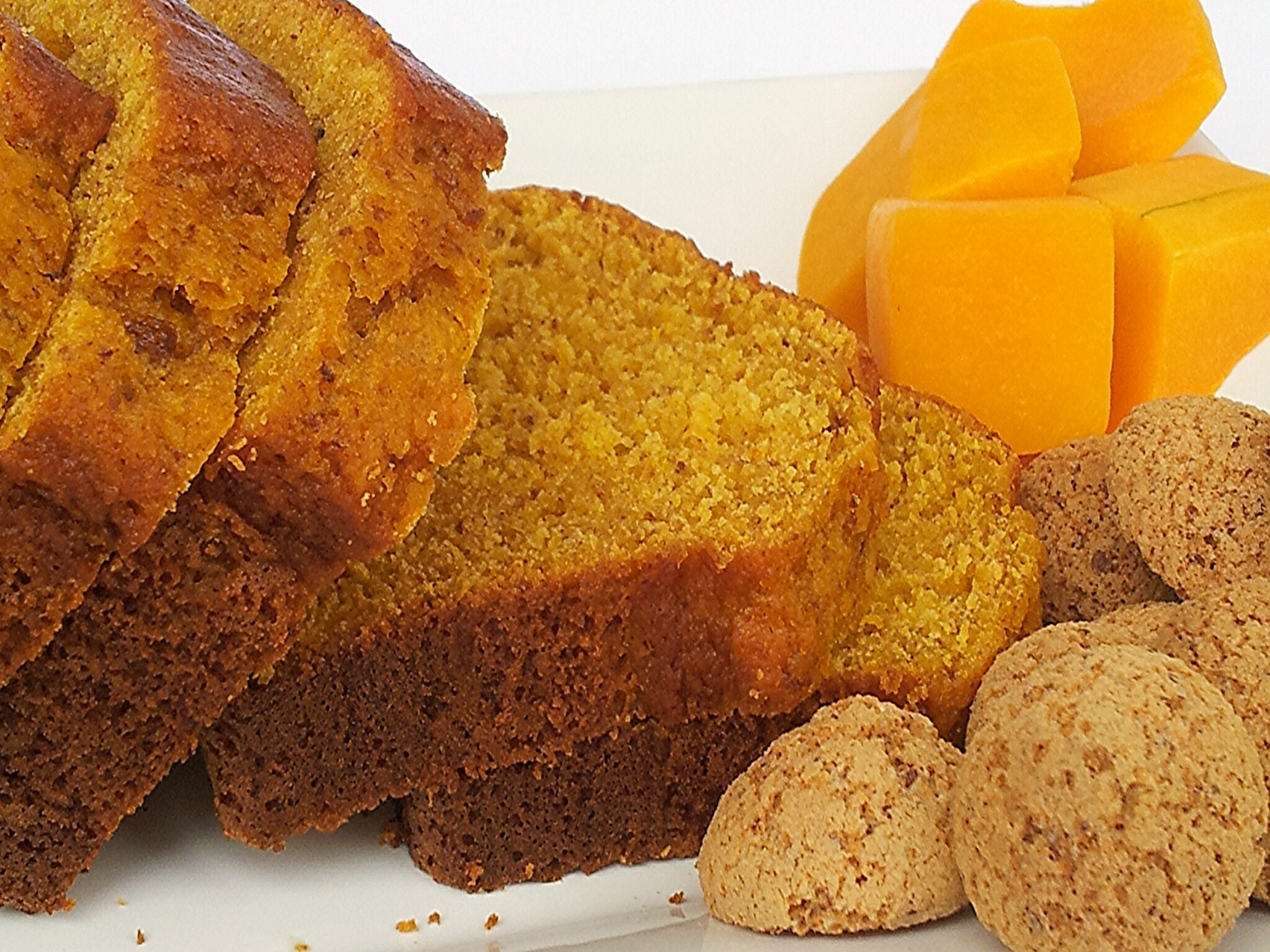 Pan dolce agli amaretti e zucca