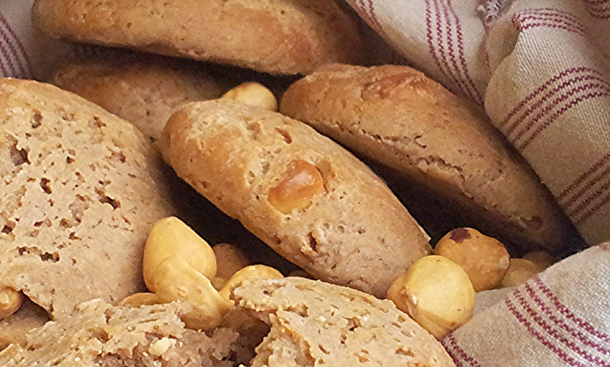 Panini alle castagne e nocciole