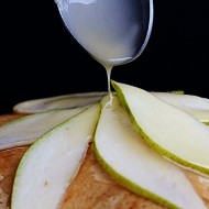 Torta soffice alle pere senza burro né latte
