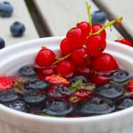 Frutti di bosco in gelatina profumata