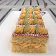 Sponge cake a trancetti con crema pasticcera al lime