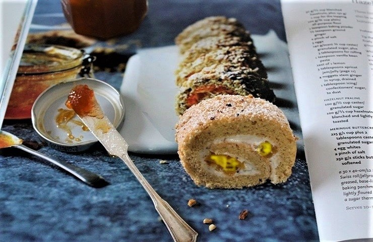 Hazelnut, peaches and vanilla roulade